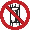 Знак P13 Запрещается подъем (спуск) людей по шахтному стволу (запрещается транспортировка пассажиров)